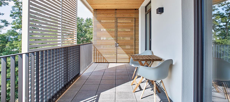 Nachhaltiger Balkon-Holzbau für das Projekt Rotbuchenhain