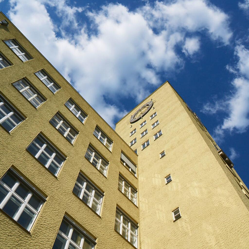 Denkmalschutz beim Hertleinbau im Carossa Quartier in Berlin-Spandau